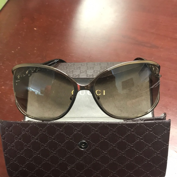 d2ecbc67e2ec3 Gucci Accessories - Gucci Sunglasses GG 4250 N S TUV J6